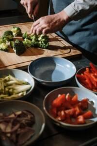tagliare finemente i broccoli